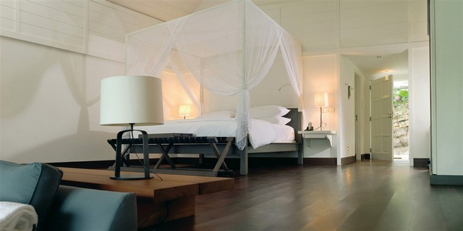 Intimate le sereno hotel by christian liaigre bedroom ideas for Designhotel barth