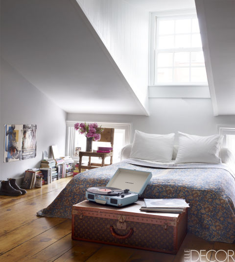 small-bedrooms-white small bedrooms The Best Decorating Tips for Small Bedrooms small bedrooms white