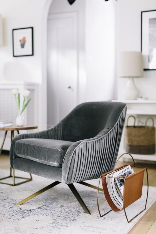 modern armchairs 2 modern armchairs These Modern Armchairs Will Leave You Wanting Nothing More modern armchairs 2