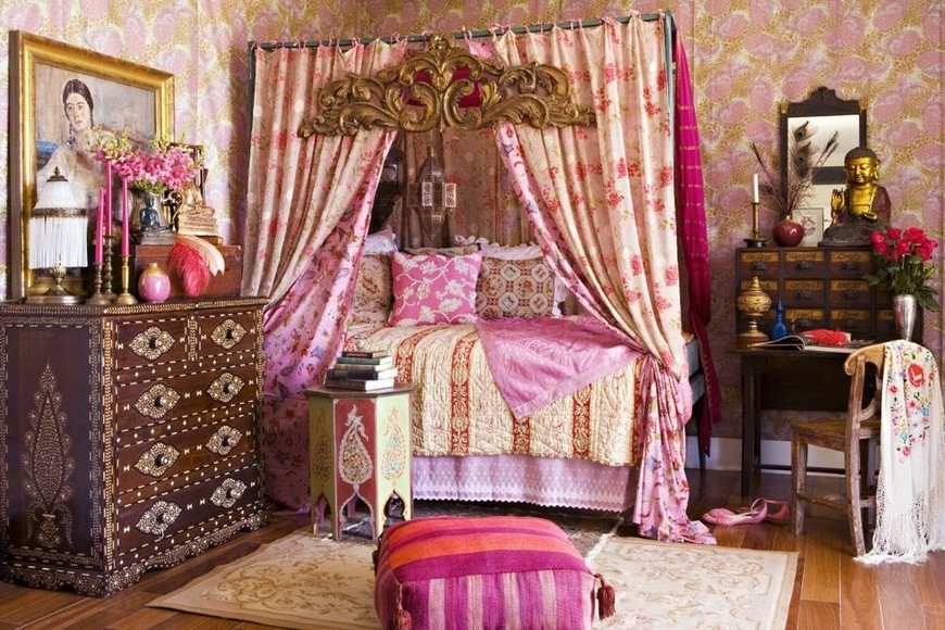 Pink-four-poster-bed-as-one-piece-of-the-boho-mosaic decoist bedroom designs bedroom designs Bedroom Designs with Bohemian-Styled Four Poster Beds Pink four poster bed as one piece of the boho mosaic decoist