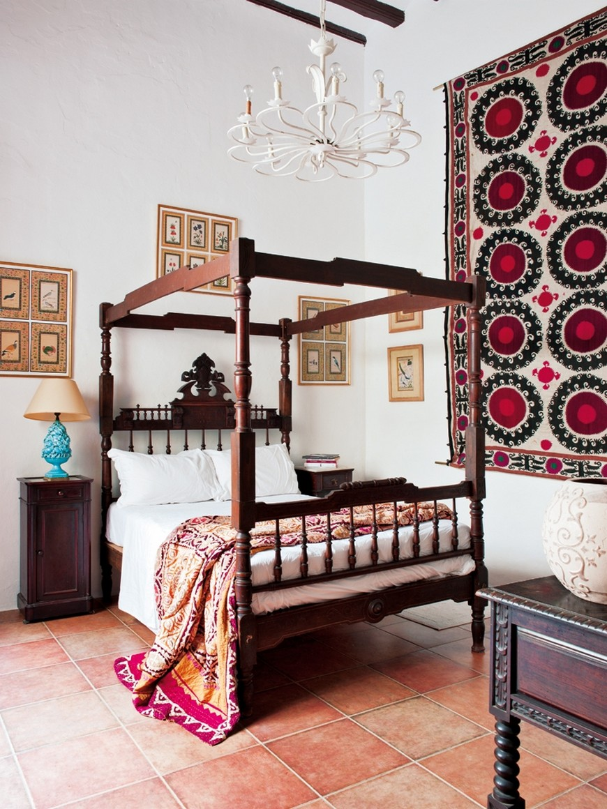 bedroom designs Bedroom Designs with Bohemian-Styled Four Poster Beds bedroom spanish style photo 6