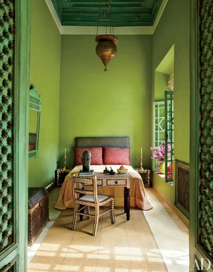 guest-bedroom-01 guest bedrooms Useful Decorating Ideas for Superb Guest Bedrooms guest bedroom 01