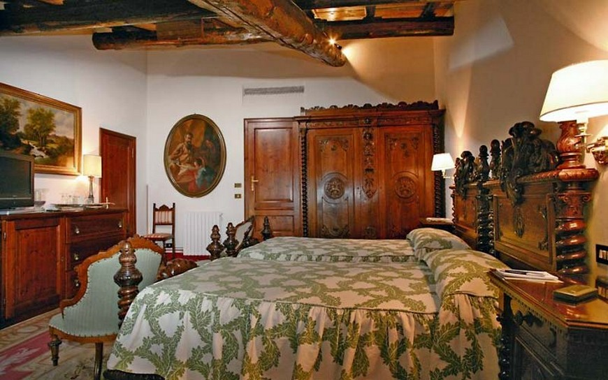 source history traveller luxury hotels luxury hotels 10 Astonishing Bedroom Designs from Luxury Hotels in Italy source history traveller