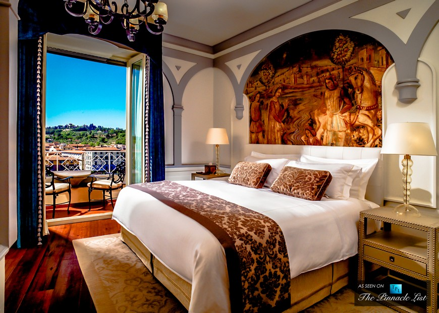 10 astonishing bedroom designs from luxury hotels in italy for Hotel design italie