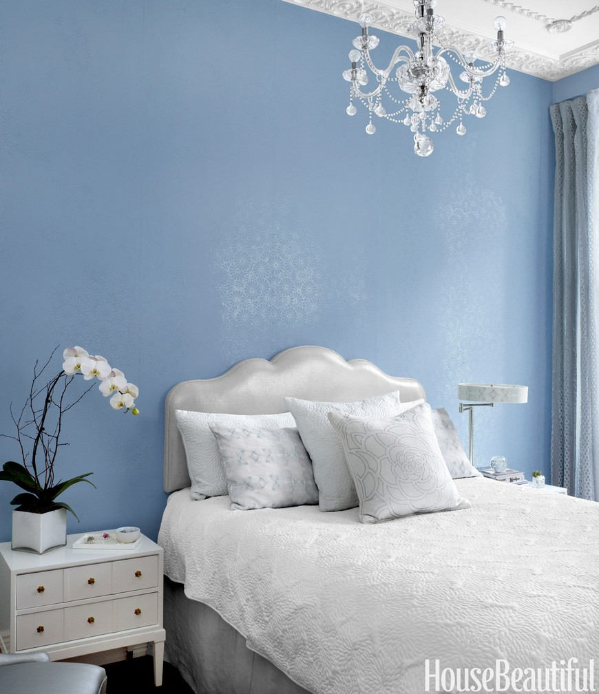 10 Design Tips on How to Cleverly Enhance Small Bedrooms Decor 1