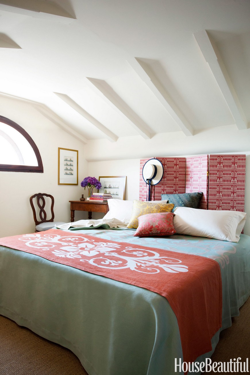 10 Design Tips on How to Cleverly Enhance Small Bedrooms Decor 4