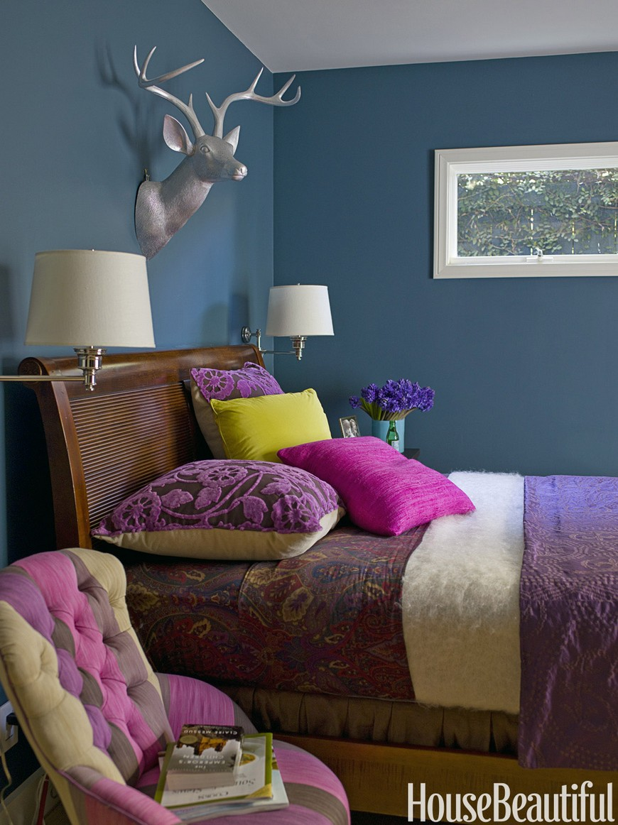 10 Design Tips on How to Cleverly Enhance Small Bedrooms Decor 5