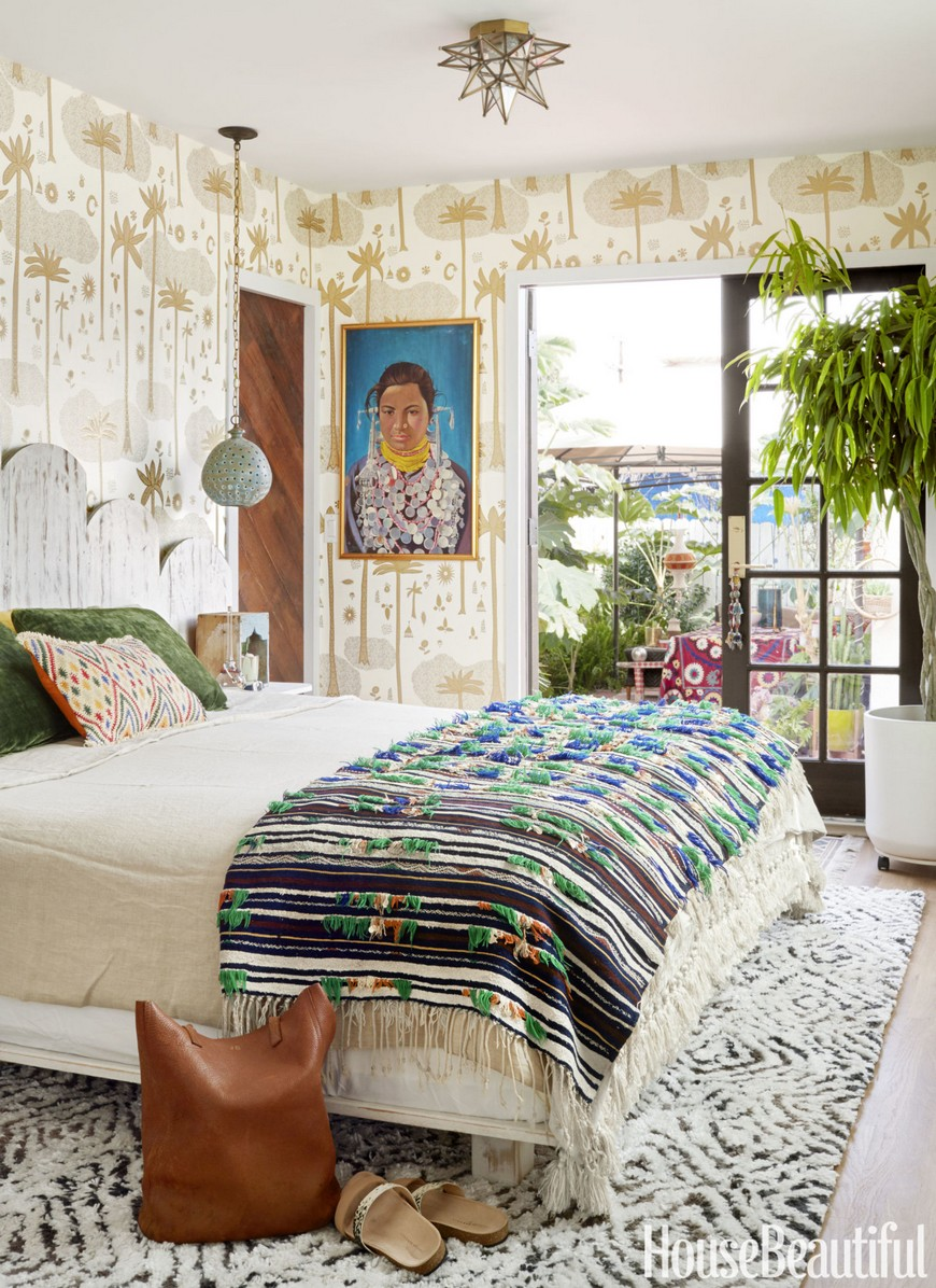 10 Design Tips on How to Cleverly Enhance Small Bedrooms Decor 8