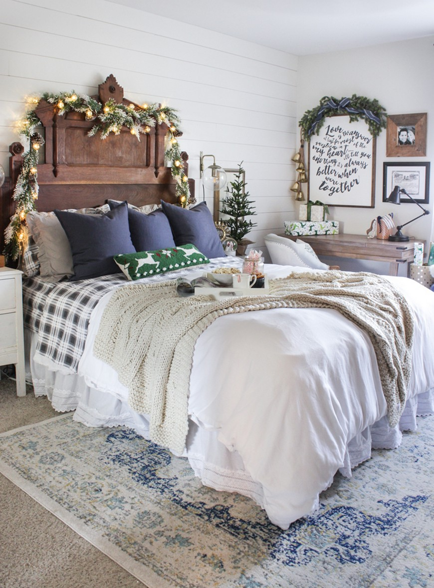 The Best Bedroom Christmas Decorations to Enter In the Holiday Spirit 2 bedroom christmas decorations The & The Best Bedroom Christmas Decorations to Enter In the Holiday ...