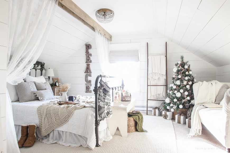 The Best Bedroom Christmas Decorations to Enter In the Holiday Spirit 5 bedroom christmas decorations The Best Bedroom Christmas Decorations to Enter In the Holiday Spirit The Best Bedroom Christmas Decorations to Enter In the Holiday Spirit 5