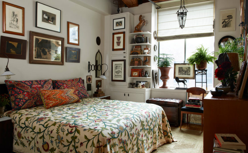 bedroom-rugs-20 small bedrooms The Best Decorating Tips for Small Bedrooms bedroom rugs 20