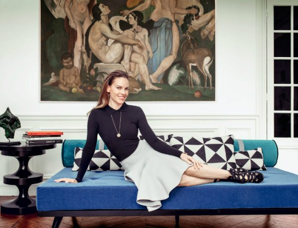 Hilary-Swank-2 hilary swank Be Astonished by Hilary Swank's Magnificent Apartment in Paris Hilary Swank 2 600x460