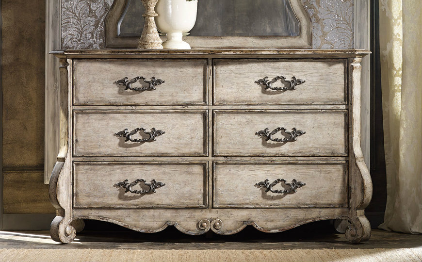 featured image vintage dressers Enter the Wonderful World of Vintage Dressers featured image 2