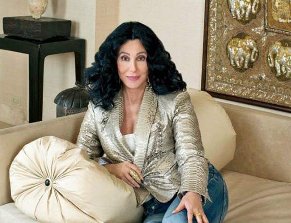 featured Cher An Inside Look to Cher's Fabulous California Homes featured 7 600x460