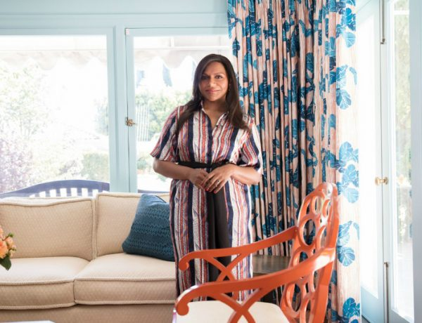 featured mindy kaling Contemplate Bedroom Ideas with Mindy Kaling's Vibrant Los Angeles Home featured 9 600x460