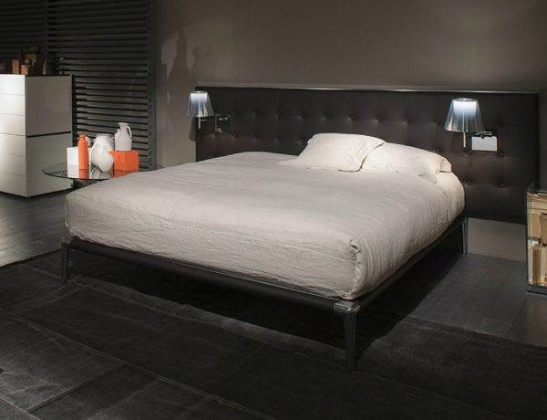luxury beds Be Enthralled by 4 Striking Luxury Beds Designed by Philippe Starck featured 7 600x460