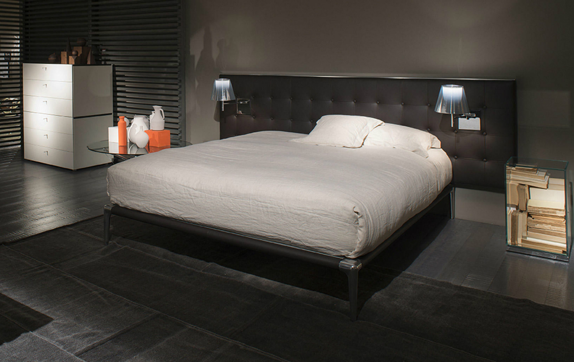 luxury beds Be Enthralled by 4 Striking Luxury Beds Designed by Philippe Starck featured 7