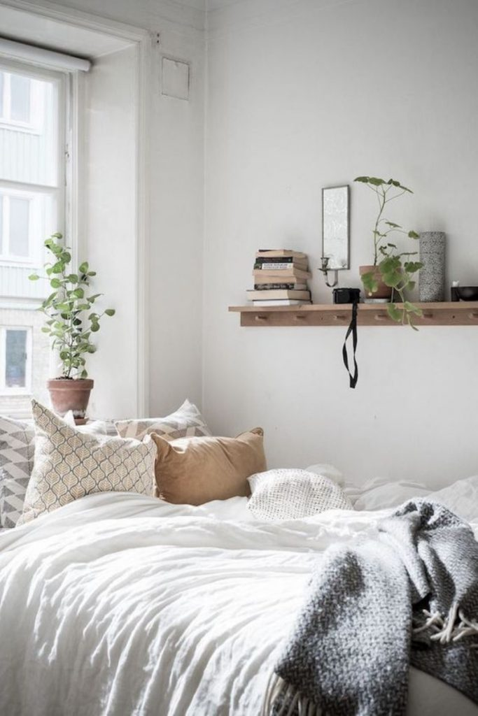 scandinavian design 20 Best Ways To Adorn Your Bedroom With A Scandinavian Design 15 Best Ways To Adorn Your Bedroom With A Scandinavian Design 19 683x1024