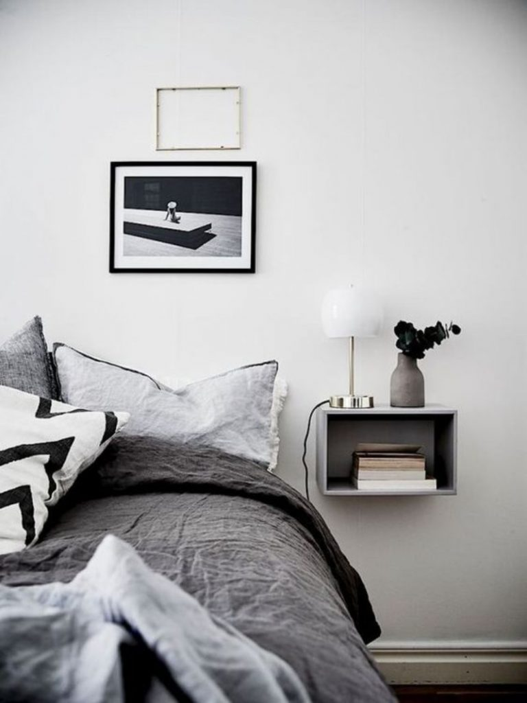 5 Ways to Arrange Furniture in a Small Bedroom small bedroom 5 Ways to Arrange Furniture in a Small Bedroom 5 Ways to Arrange Furniture in a Small Bedroom 2 768x1024