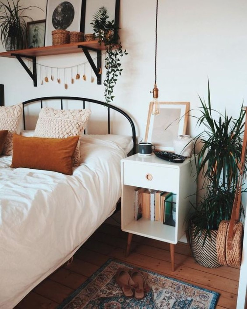 How To Change Your Bedroom Decor To Become A Morning Person