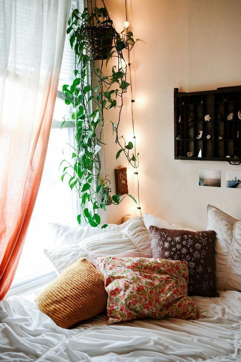 What's Hot Right Now Spring Bedroom Decor! spring bedroom decor What's Hot Right Now: Spring Bedroom Decor! Whats Hot Right Now Spring Bedroom Decor 3