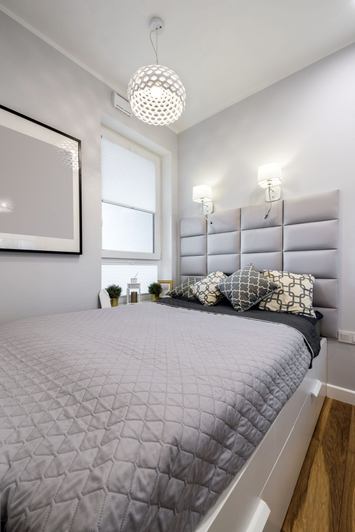Here You'll Find Small Bedroom Ideas To Make Your Space Feel Bigger Small Bedroom Ideas small bedroom ideas Here You'll Find Small Bedroom Ideas To Make Your Space Feel Bigger Here Youll Find Small Bedroom Ideas To Make Your Space Feel Bigger