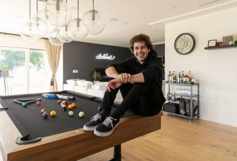 Take A Peek Inside The Home Of Youtube Sensation David Dobrik!_2 (1) david dobrik Take A Peek Inside The Home Of Youtube Sensation David Dobrik! Take A Peek Inside The Home Of Youtube Sensation David Dobrik 2 1
