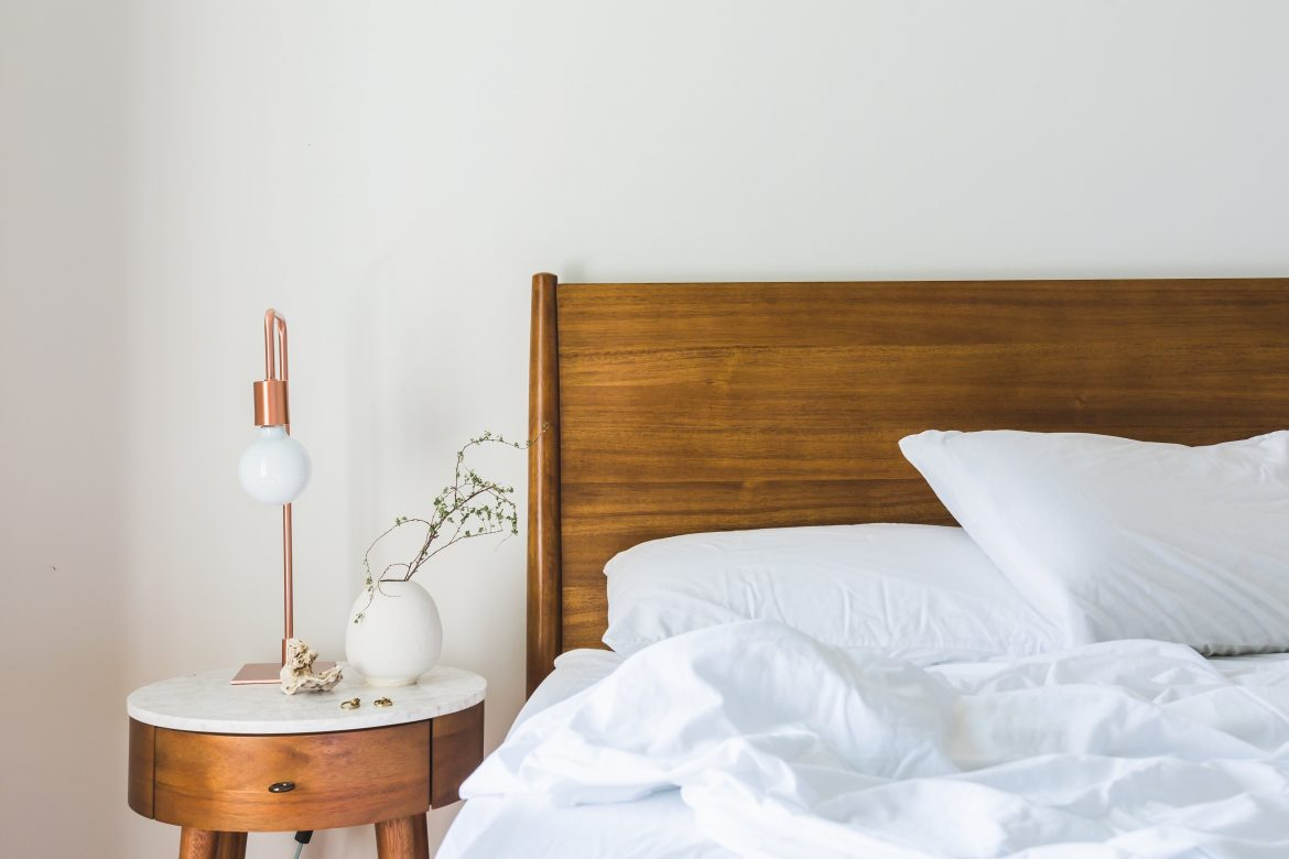 5 Essentials For A Mid-Century Bedroom mid-century bedroom 5 Essentials For A Mid-Century Bedroom 5 Essentials For A Mid Century Bedroom