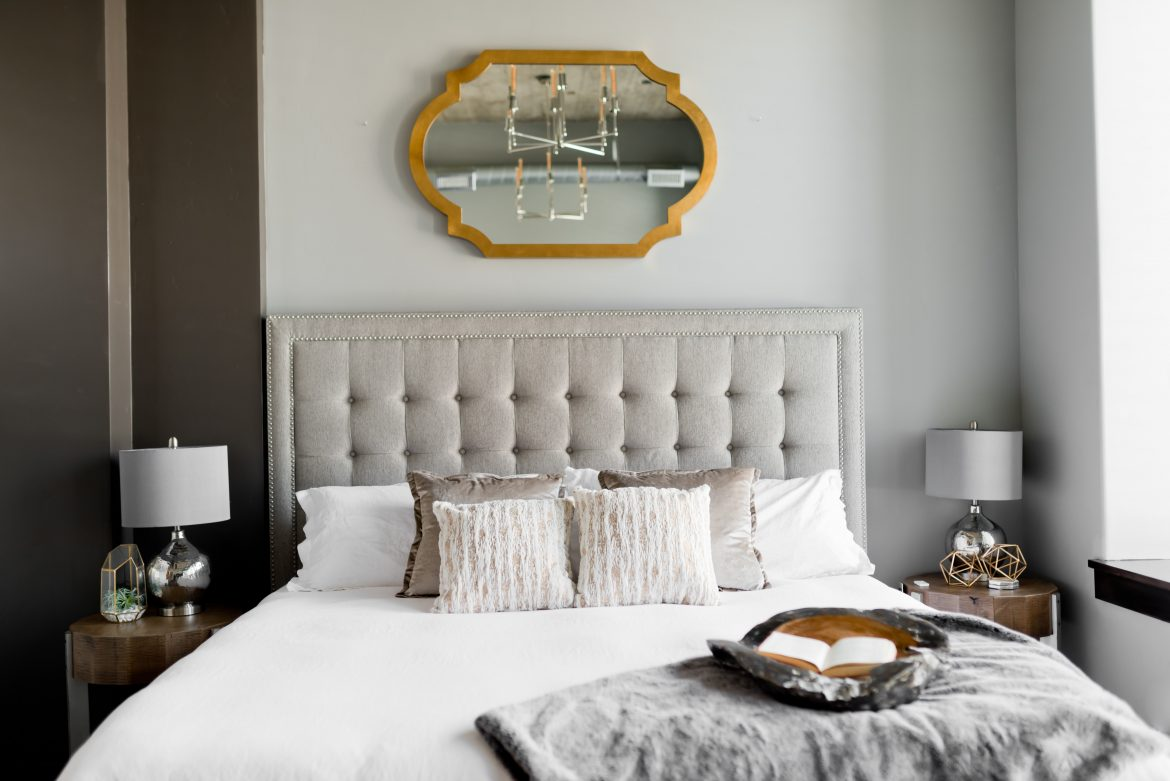 5 Unique Ways To Use A Modern Bedroom Mirror bedroom mirror 5 Unique Ways To Use A Modern Bedroom Mirror 5 Unique Ways To Use A Modern Bedroom Mirror6
