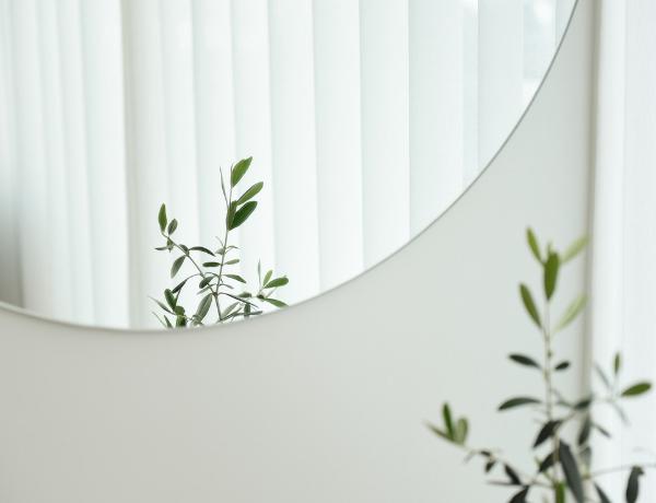 5 Unique Ways To Use A Modern Bedroom Mirror