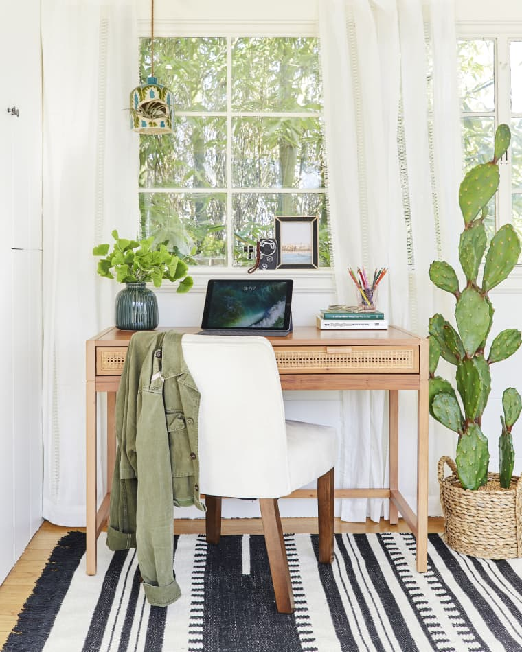 Emily Henderson Presents Her Maximalist Boho Bedroom maximalist boho bedroom Emily Henderson Presents Her Maximalist Boho Bedroom Emily Henderson Presents Her Maximalist Boho Bedroom7