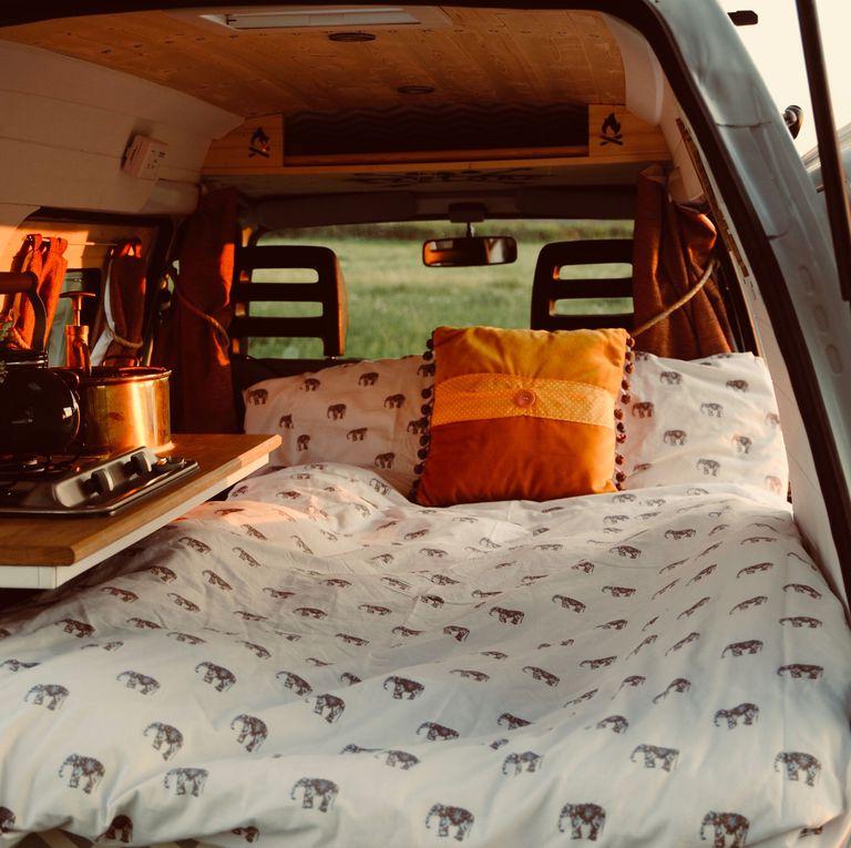 This Vintage Tiny Camper Van Has The Key Details F Stylish Bedroom 1 vintage tiny camper This Vintage Tiny Camper Van Has All The Key Details For Stylish Bedroom This Vintage Tiny Camper Van Has The Key Details F Stylish Bedroom 2