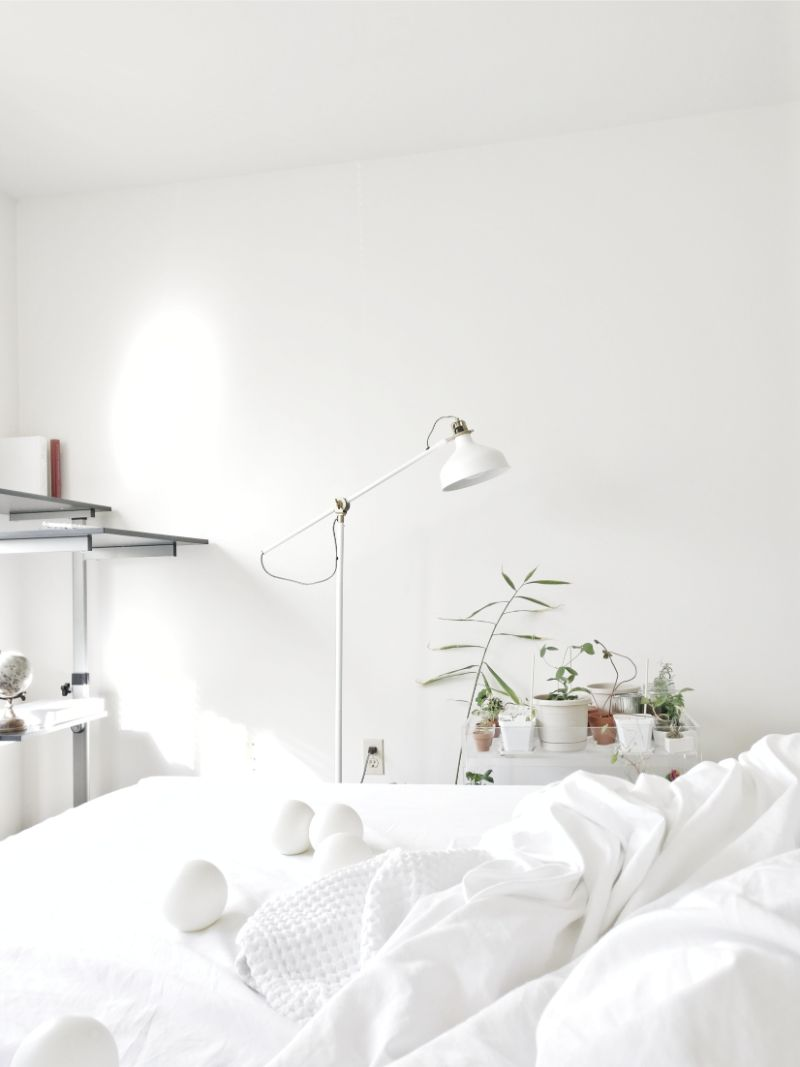 5 Tips To Create An Amazing White Bedroom Design white bedroom design 5 Tips To Create An  Amazing White Bedroom Design 5 Tips To Create An Amazing White Bedroom Design7