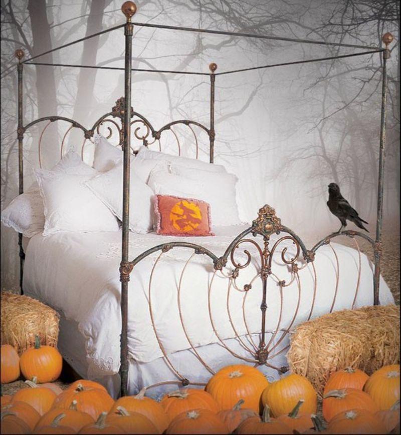 Amazing Halloween Decor Ideas For Your Bedroom halloween decor ideas Amazing Halloween Decor Ideas For Your Bedroom Amazing Halloween Decor Ideas For Your Bedroom5