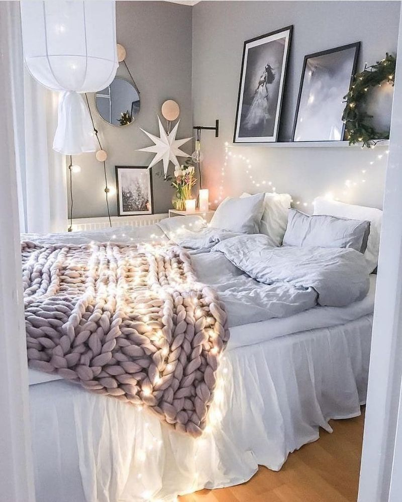 5 Essentials For Winter Bedroom Decoration winter bedroom decoration 5 Essentials For Winter Bedroom Decoration 5 Essentials For Winter Bedroom Decoration3